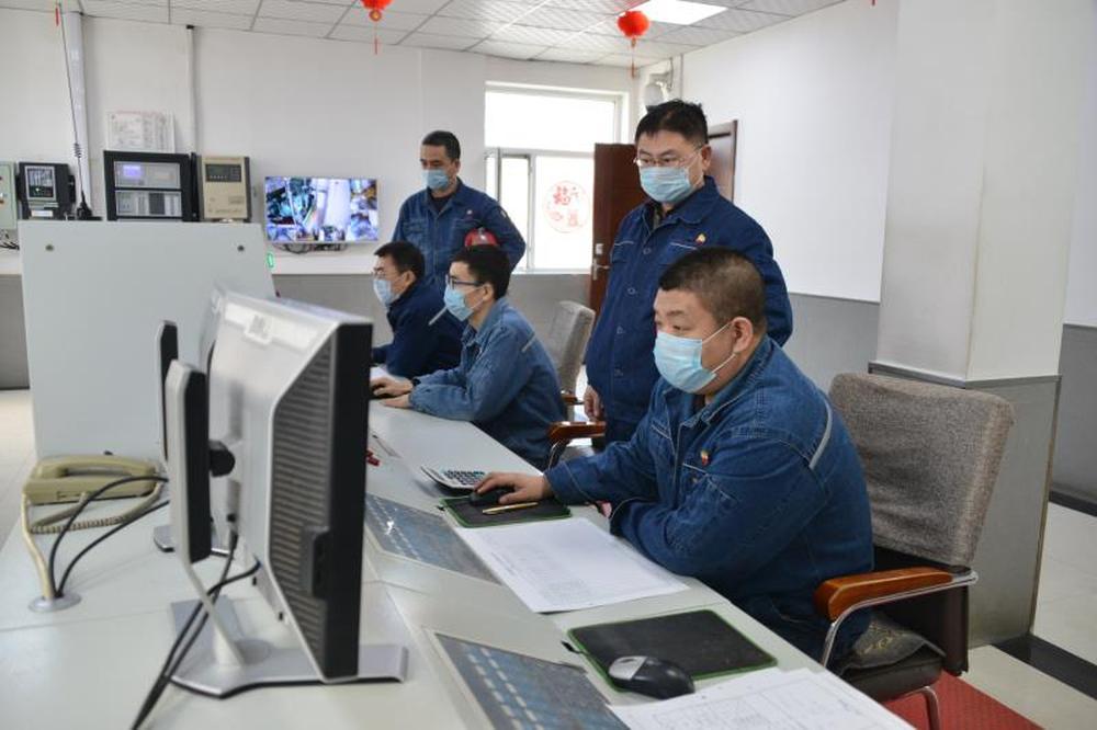 中国制造业复工复产助力打赢疫情防控阻击战1.jpg