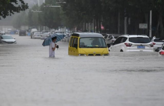 郑州暴雨已致12人遇难!国家防总将防汛应急响应提升至Ⅱ级