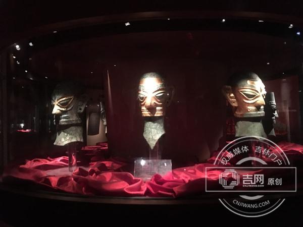 全国网络媒体四川德阳行采访团走进三星堆博物馆 了解久远神秘浑厚的古蜀文明