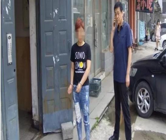 """""""虎刘子""""团伙覆灭记——四平市公安局打掉卖淫盗窃黑社会性质组织始末"""