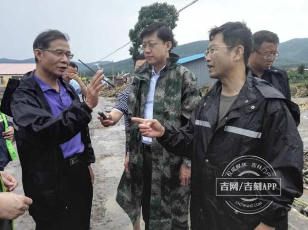 国家民政部检查组到吉林灾区指导救灾工作