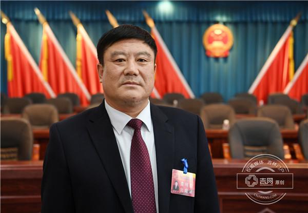 和龙市人大常委会副主任胡要军.jpg